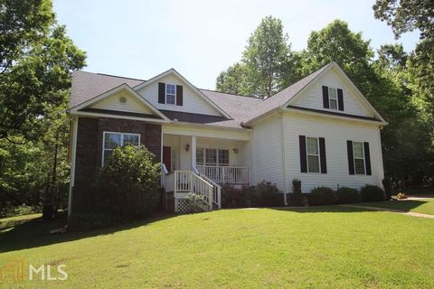Photo of 2384 Rock Mills Rd, Lagrange, GA 30240