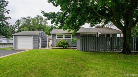 Jackson, MI Houses for Sale with Swimming Pool - realtor com®