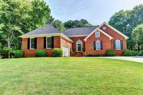 Loganville Ga Houses For Sale With Swimming Pool Realtor Com