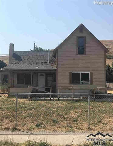 Photo of 394 High St, Pomeroy, WA 99347