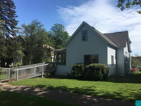 608 8th Ave, Two Harbors, MN 55616