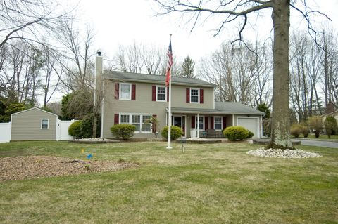 Photo of 3 Sutton Ct, Matawan, NJ 07747