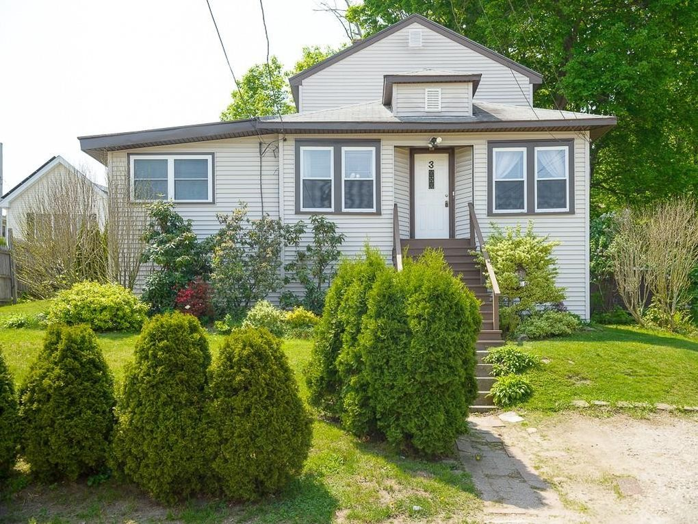 3 Armandale St Worcester, MA 01603