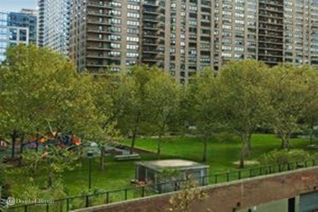 200 Riverside Blvd Apt 408, New York, NY 10069