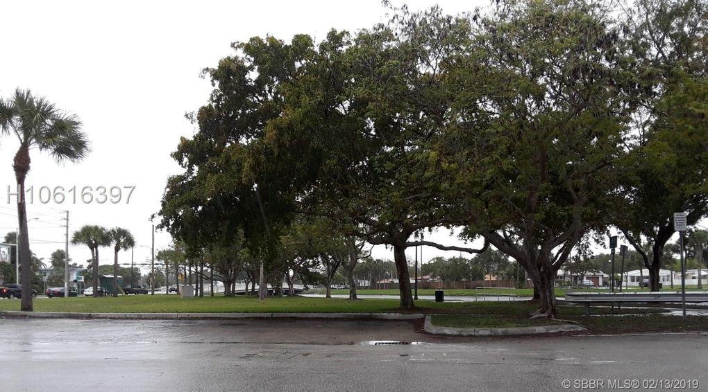 16901 Ne 15, North Miami Beach, FL 33162