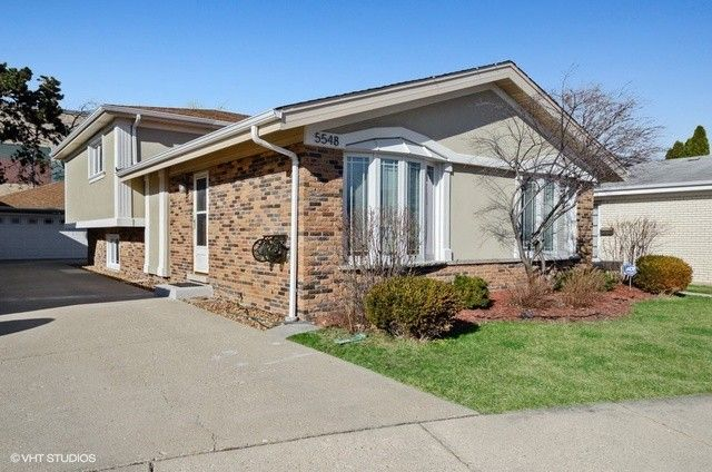 5548 W Lunt Ave Chicago, IL 60646