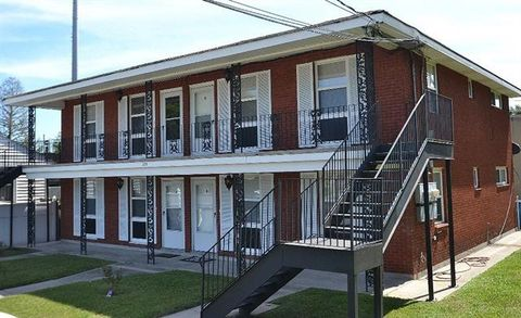 Photo of 222 W Morales St Apt A, Chalmette, LA 70043