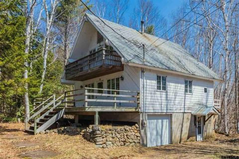 38 Mohican Trl, North Creek, NY 12853