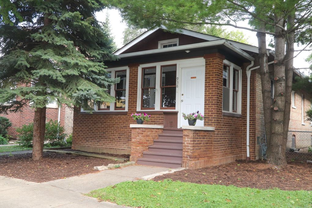 938 S Maple Ave Oak Park, IL 60304