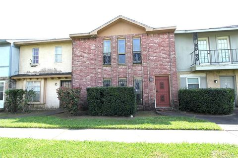 Photo of 7047 Chasewood Dr, Missouri City, TX 77489