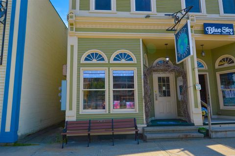 Photo of 158 Main St, Ludlow, VT 05149