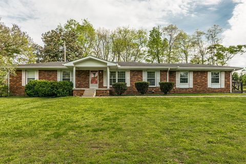 Photo of 229 Hale Ave, Gallatin, TN 37066