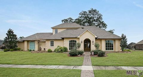Photo of 18005 Lakeside Dr, Greenwell Springs, LA 70739