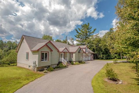 Photo of 48 Dean Brook Dr, Northumberland, NH 03582