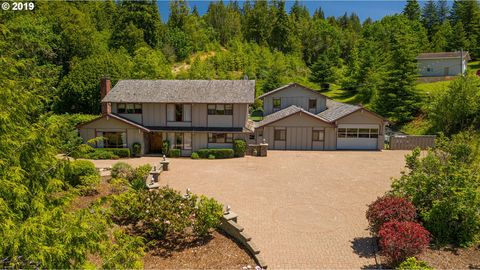 56675 Dillard Dr, Coquille, OR 97423