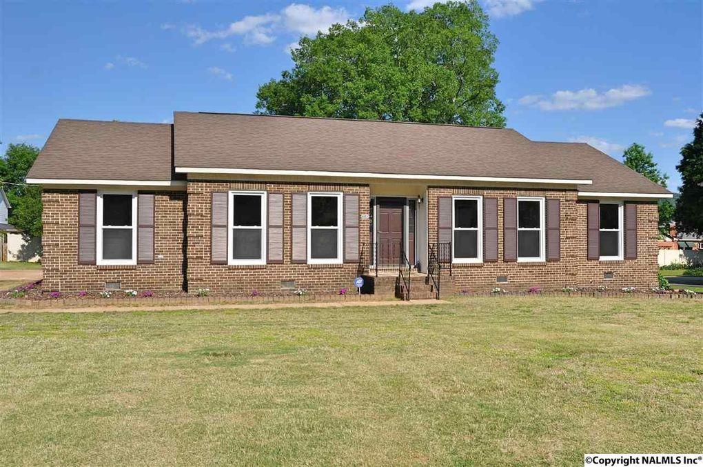 8803 Willow Hills Dr Se, Huntsville, AL 35802