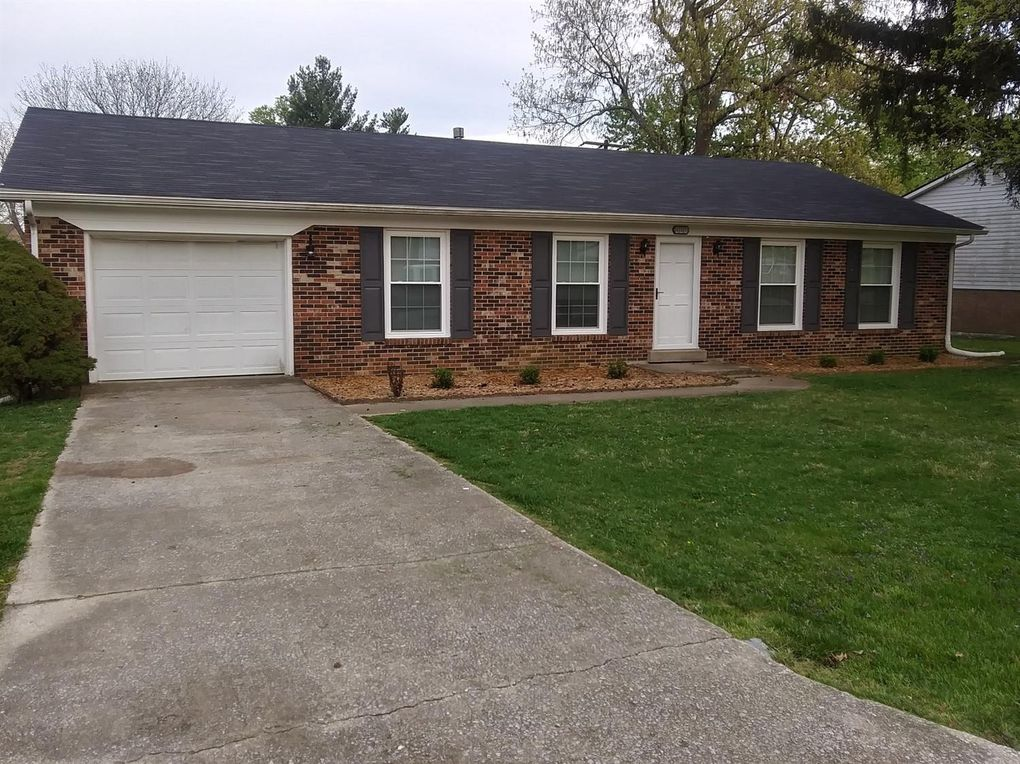 221 Pin Oak Pl Frankfort, KY 40601