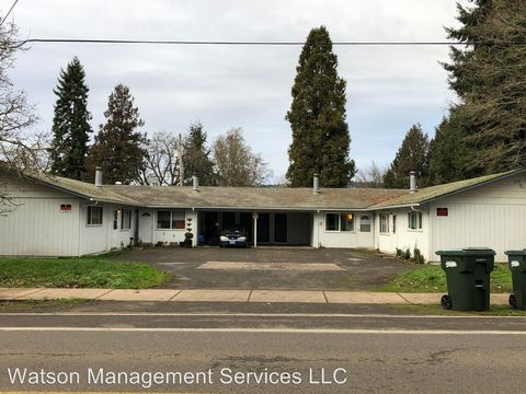 Photo of 2250 Long St, Sweet Home, OR 97386