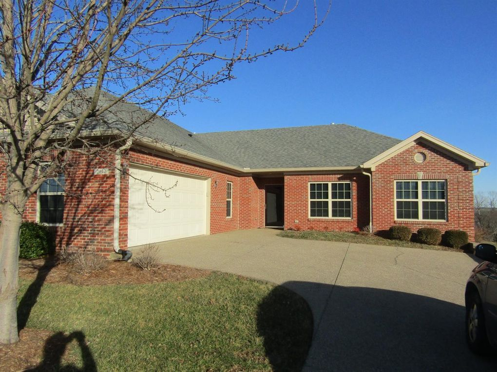 2042 Berry Hill Dr Frankfort, KY 40601