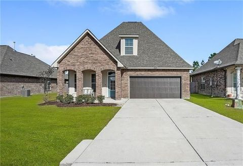 Photo of 10033 Cesson Ct, Madisonville, LA 70447