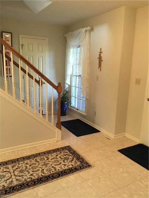 24435 West Rd, Olmsted Falls, OH 44138 - realtor.com®