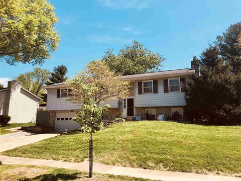 Pleasant Bloomington In Houses For Sale With Swimming Pool Realtor Home Remodeling Inspirations Gresiscottssportslandcom
