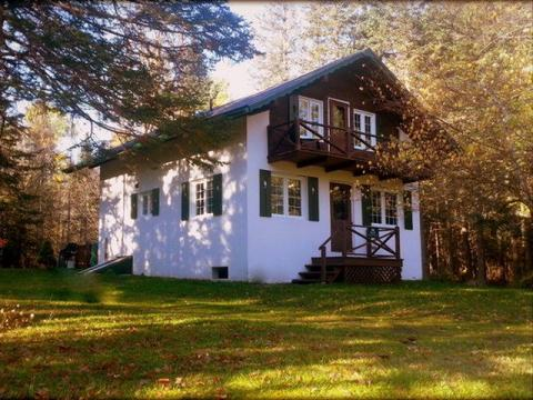 45 Garmish St, Chazy Lake, NY 12935