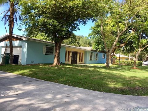 Photo of 7445 Sw 164th St, Palmetto Bay, FL 33157