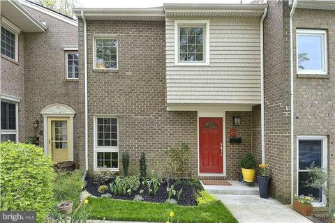 Photo of 66 Gentry Ct, Annapolis, MD 21403