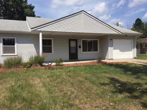 724 E 39th Ln, Griffith, IN 46319