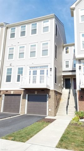 Photo of 5916 Forum Sq, Frederick, MD 21703