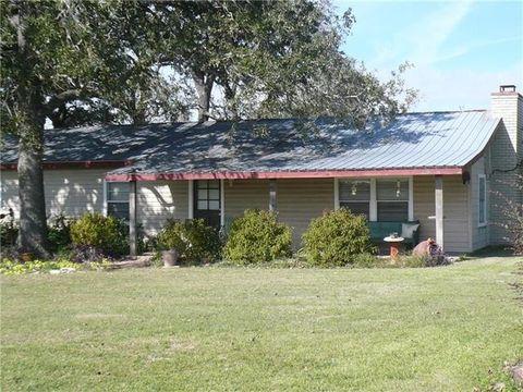 848 Highway 95 S, Smithville, TX 78957