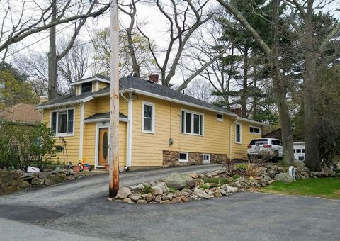 Photo of 24 Clearview Ave, Gloucester, MA 01930