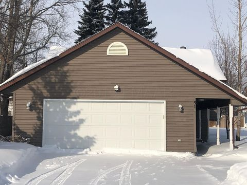Photo of 515 13th St Nw, Devils Lake, ND 58301