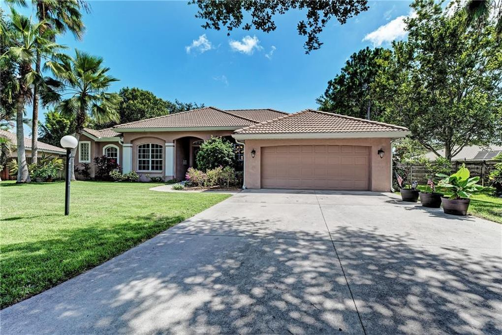 5619 Oak Grove Ct Sarasota, FL 34233