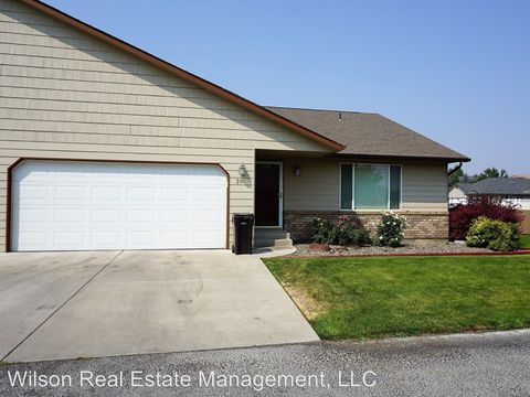 Photo of 208 S 94th Ave, Yakima, WA 98908