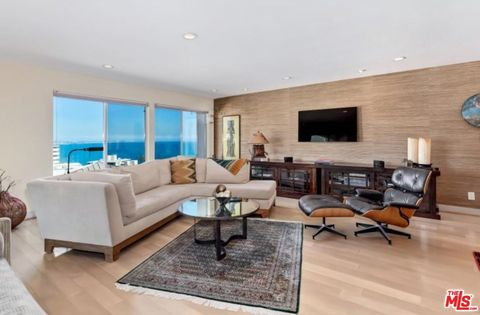 Photo of 17337 Tramonto Dr Apt 111, Pacific Palisades, CA 90272