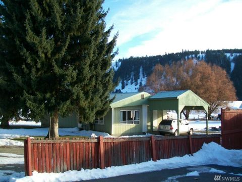 417 E Lake St, Conconully, WA 98819
