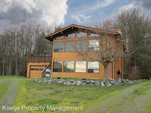 Photo of 1108 Chadwick Ct, Coupeville, WA 98239