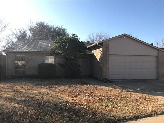 4212 Silverberry Ave, Fort Worth, TX 76137