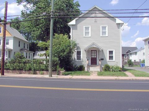 Photo of 599 Center St, Manchester, CT 06040