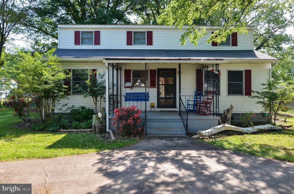 412 Marshall Ave Colonial Beach, VA 22443