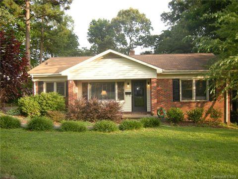 Photo of 1308 Mockingbird Ln, Charlotte, NC 28209