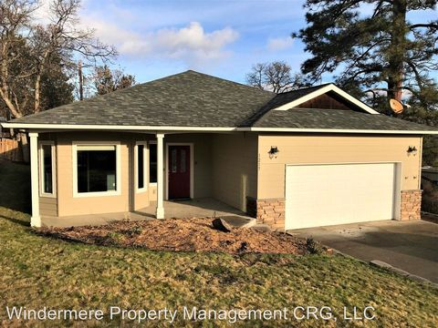 Photo of 1217 Pomona St W, The Dalles, OR 97058