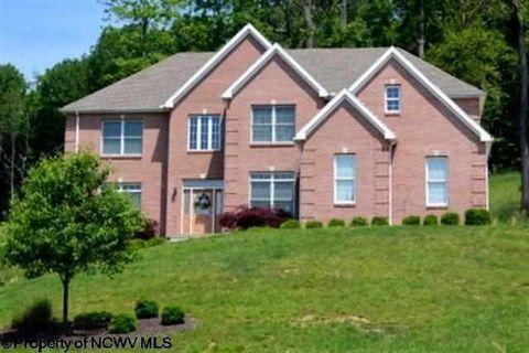 4203 Persimmon Woods Dr, Morgantown, WV 26508