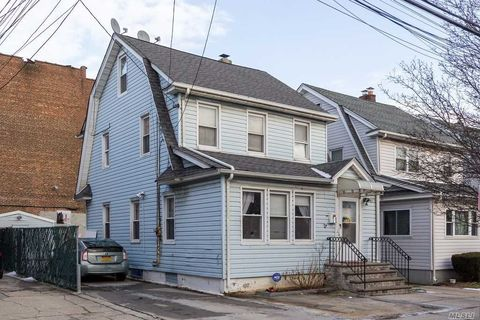 Photo of 9211 245th St, Floral Park, NY 11001