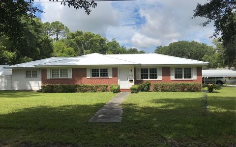 Photo of 802 White Ave Se, Live Oak, FL 32064