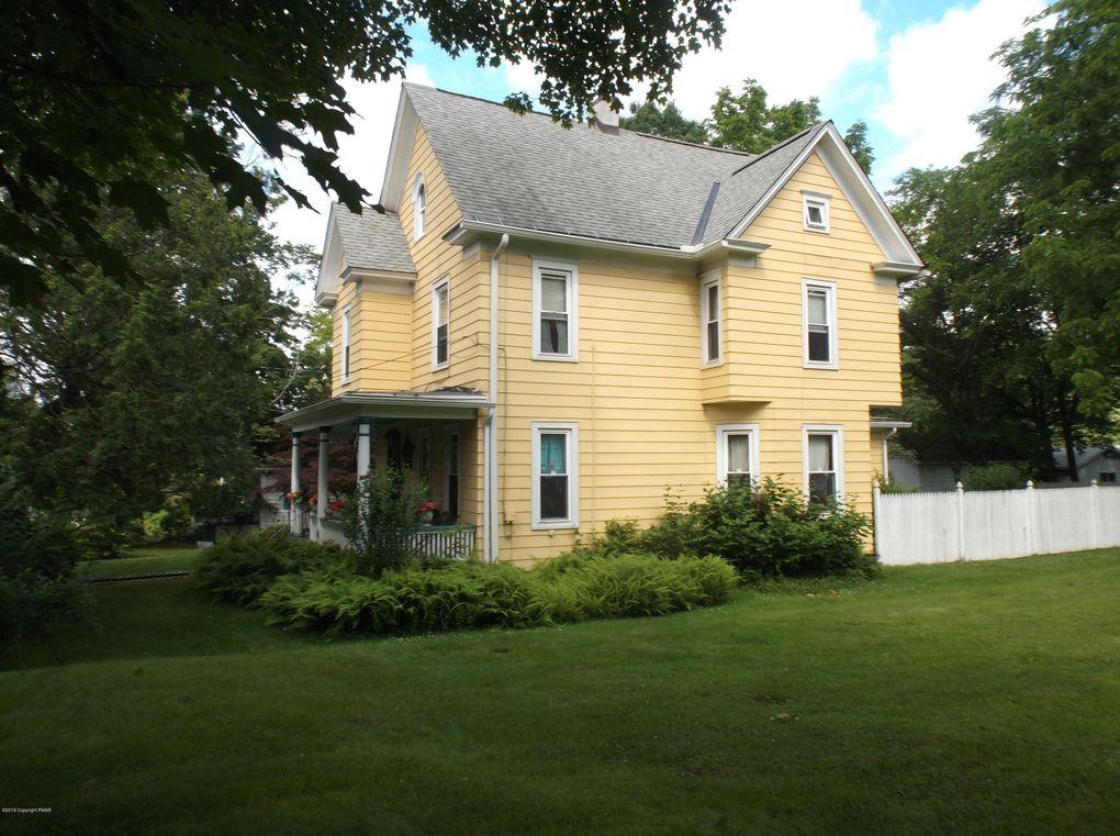 126 E Brown St East Stroudsburg, PA 18301