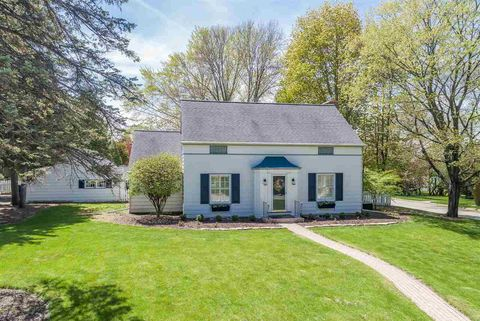 Photo of 225 W Mission Rd, Green Bay, WI 54301