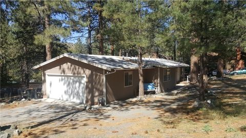 Photo of 23404 Flume Canyon Dr, Wrightwood, CA 93563